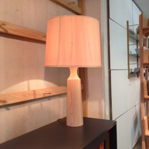 Pinch table lamp