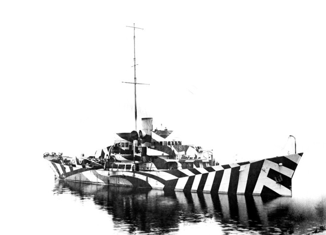 PATTERNITY-DAZZLE-SHIP-©IWM_BW-1024x737