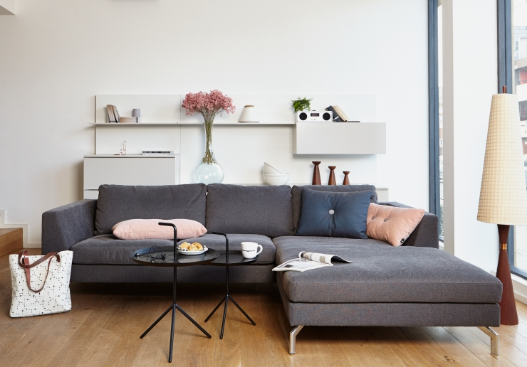 Do South - store image, sofa lifestyle