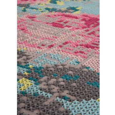 Canevas Flowers rug by Charlotte Lancelot for GAN