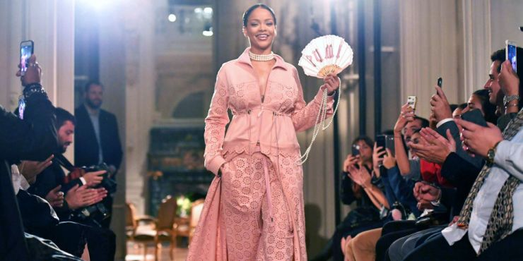 Rihanna Pink