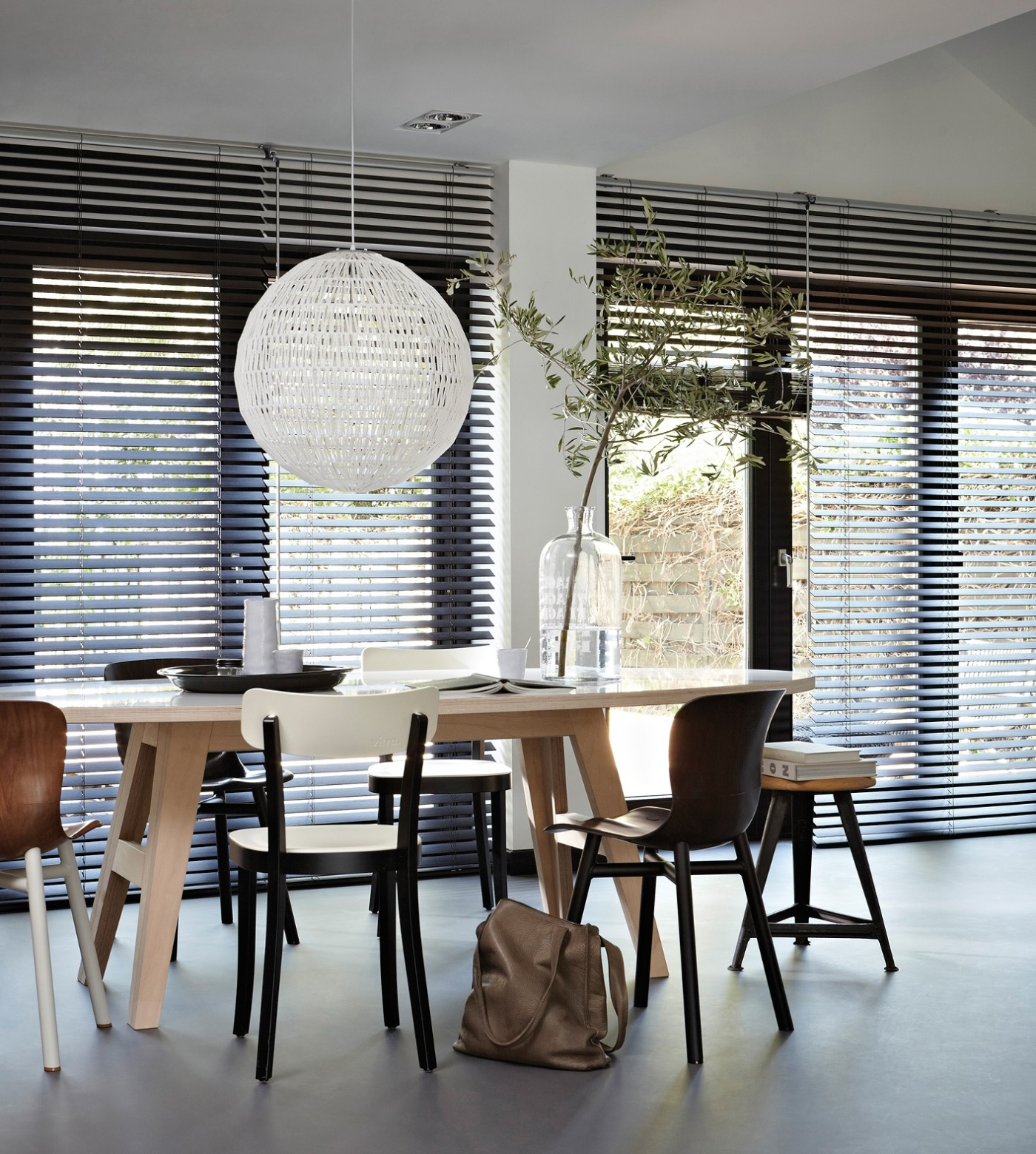 Dark-Wooden-Blinds-Dining-Room
