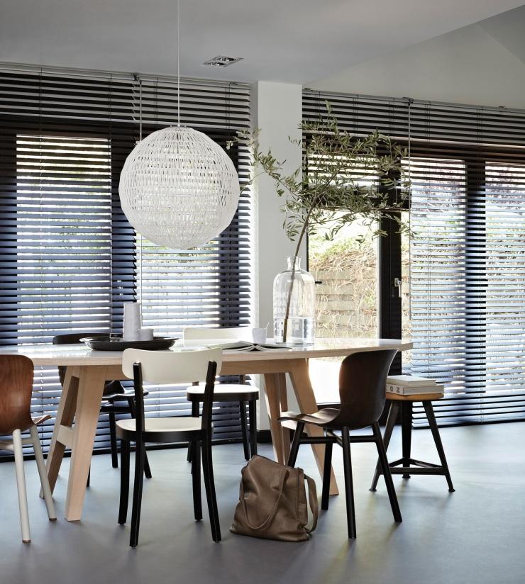 Dark-Wooden-Blinds-Dining-Room
