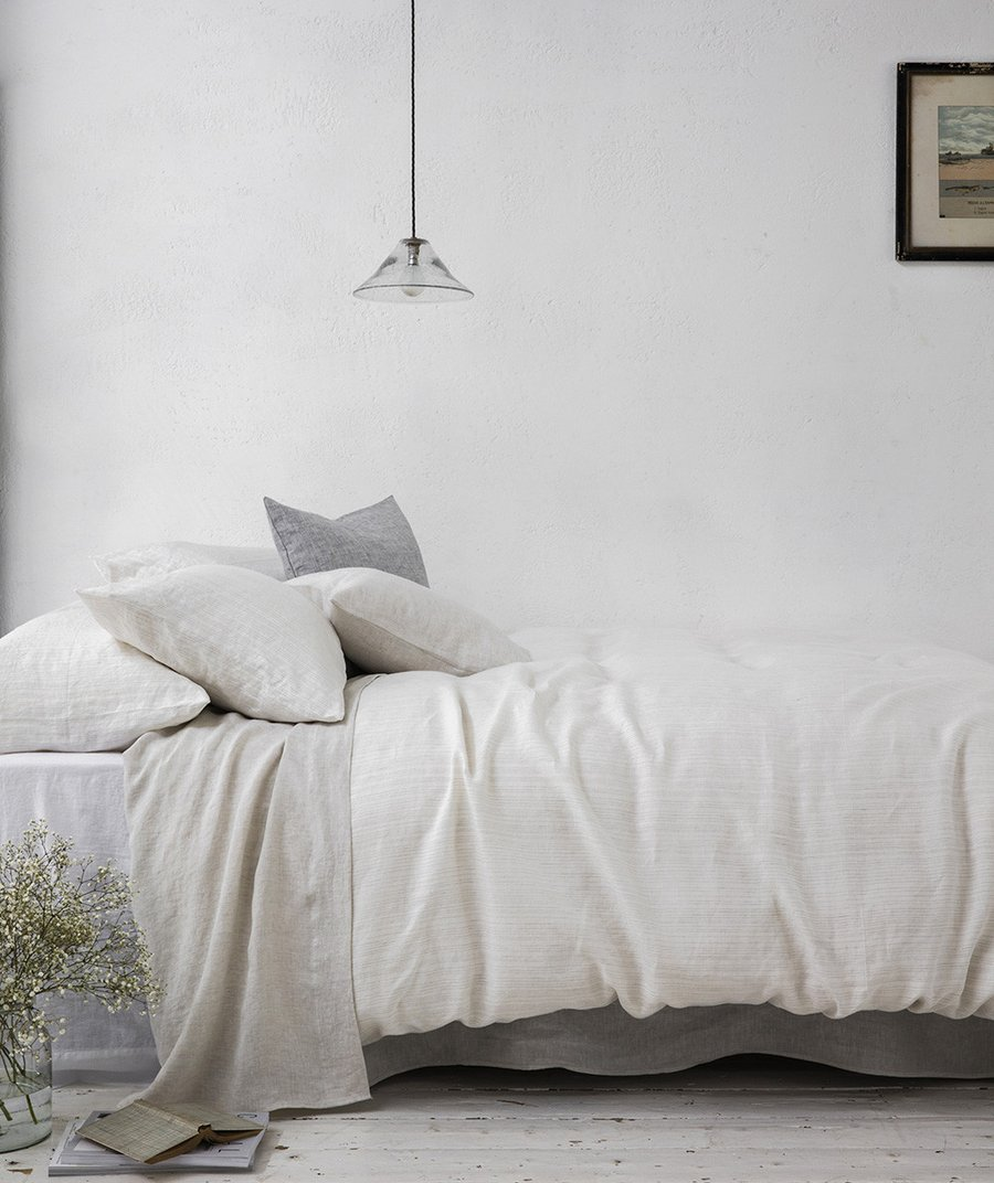 THE-LINEN-WORKS-I-Limited-Edition-Lario-Collection---Reversible-Stripe-Bed-Linen-HR_f3c64e93-6b79-482f-aabd-95a77dfc10b8_900x