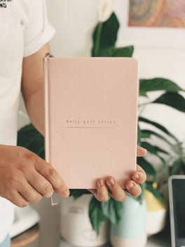 2019 daily goal planner from Mal Paper in dusky pink with gold text. Journal, diary, stationery.